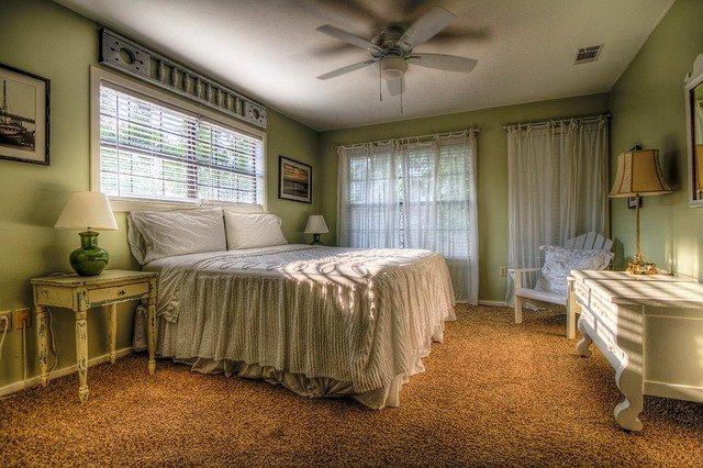 bedroom-349698_640
