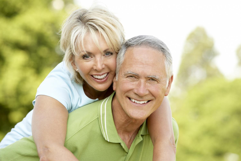 older-couple-smile1